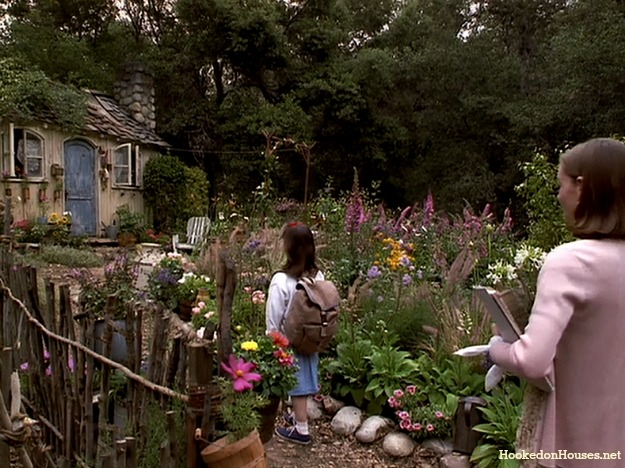 the-path-to-Miss-Honeys-cottage-Matilda.jpg